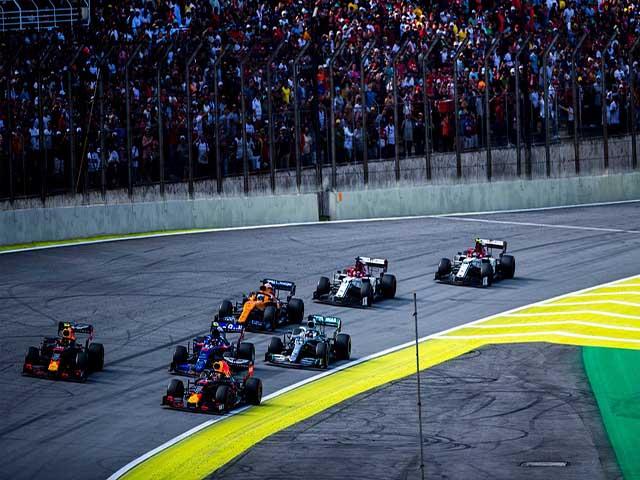 """Đua xe F1: Thế hệ trẻ lên ngôi, Red Bull vươn tầm """"vũ trụ"""""""