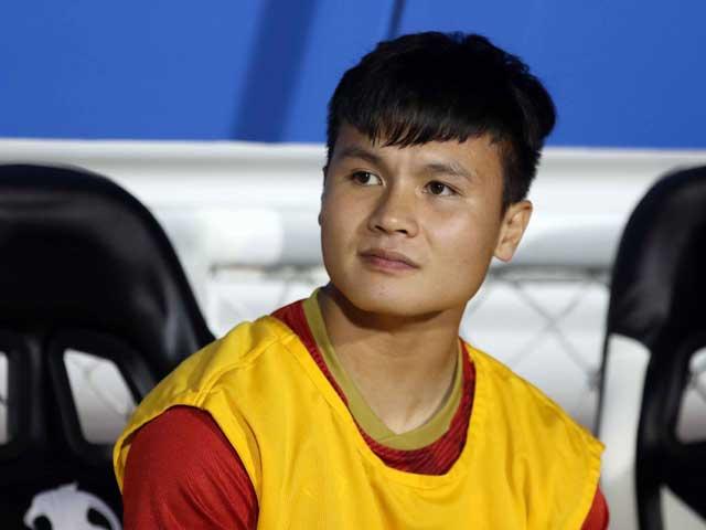 """Quang Hải làm gì khi U22 Việt Nam """"vùi dập"""" U22 Campuchia bán kết SEA Games?"""