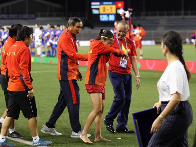 """Họp báo ĐT nữ Việt Nam vô địch SEA Games 30: """"Tướng"""" Chung chúc U22 Việt Nam đoạt HCV"""