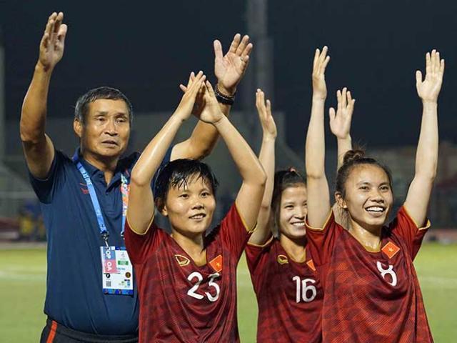 ĐT bóng đá nữ hoãn về nước, ở lại cổ vũ U22 Việt Nam đấu chung kết