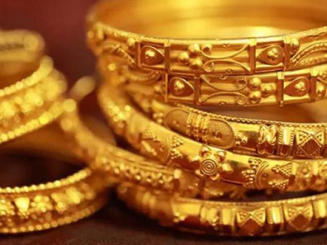 """Giá vàng hôm nay 13/12: Sau phiên tăng """"sốc"""", giá vàng ra sao?"""