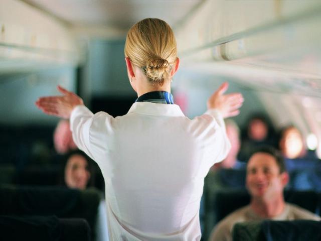 """Khi có tử thi trên máy bay, hàng không """"che mắt"""" hành khách thế nào?"""