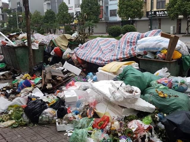 Dân lại chặn bãi rác Nam Sơn, Hà Nội xử lý hàng ngàn tấn rác thế nào?