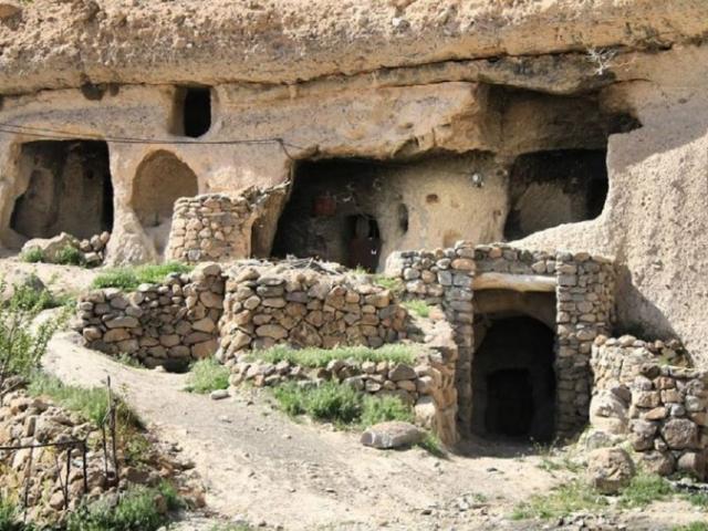 Hang động 10 nghìn năm tuổi, con người vẫn còn sống bên trong đến ngày nay