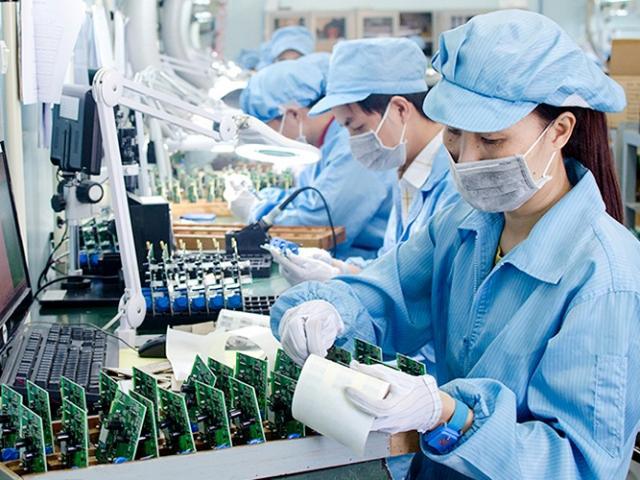 Kinh tế VN tăng trưởng mạnh mẽ: Năng suất lao động ước đạt 110.4 triệu đồng/người