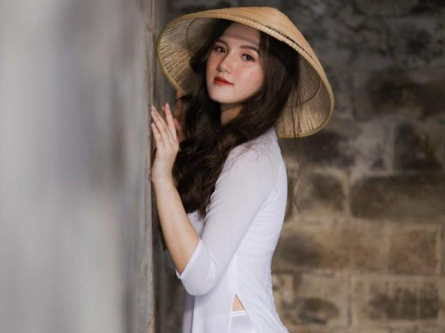 """Thí sinh hoa hậu """"em chưa 18"""" được khen mặc áo dài trắng đẹp nhất"""