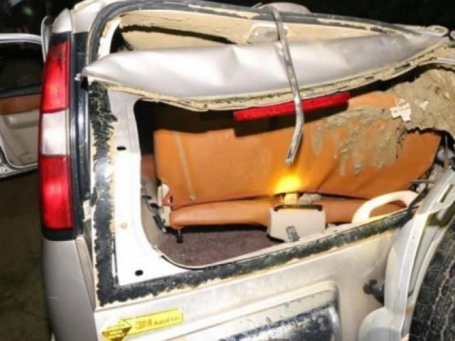 Tai nạn 5 người chết ở Nghệ An: Bàng hoàng thấy ô tô lật ngửa dưới đáy sông