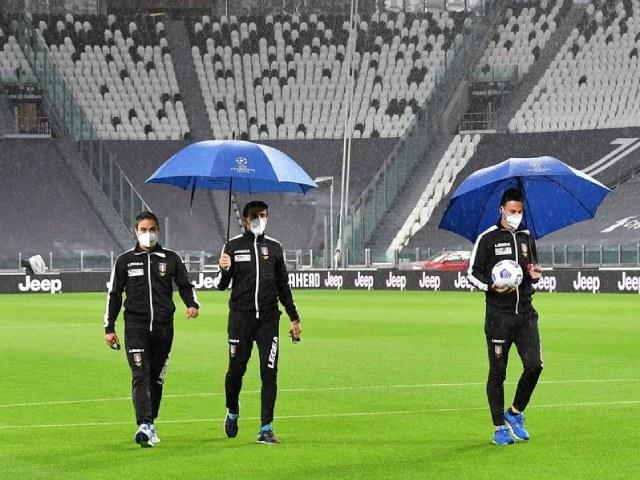 Đại chiến Juventus - Napoli bị hủy, Serie A choáng váng vì Covid-19