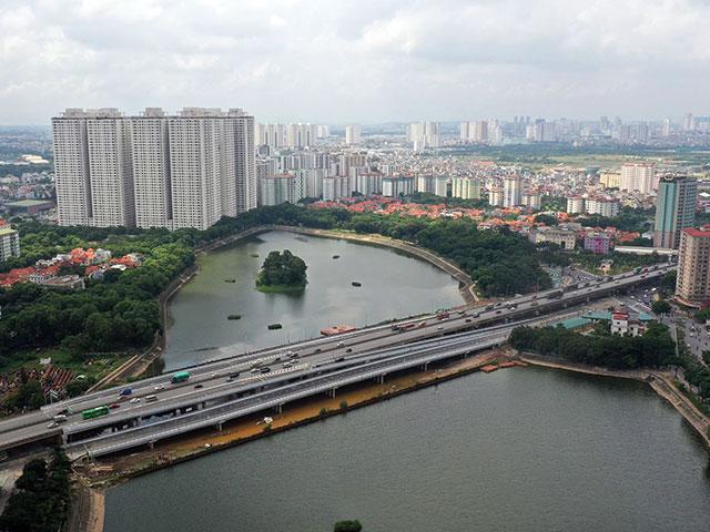 Cầu vượt bắc qua hồ nước đẹp bậc nhất Hà Nội chính thức thông xe