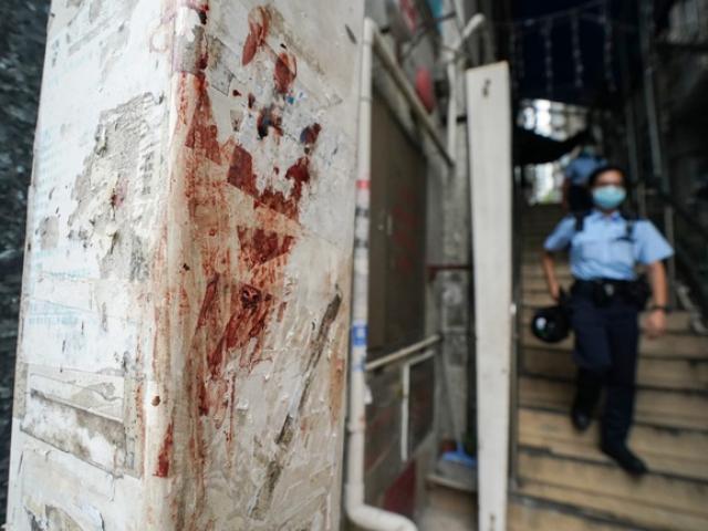 Hai băng đảng Hội Tam Hoàng hỗn chiến trong quán bar ở Hong Kong