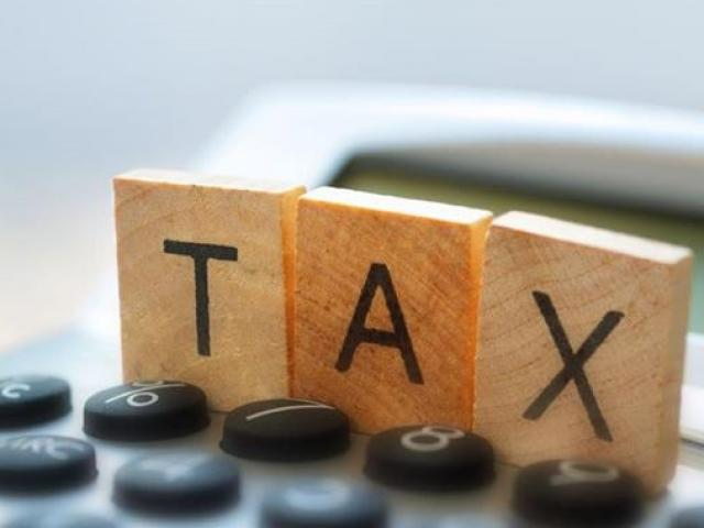 Vé máy bay rẻ nhưng vẫn phải cõng những loại thuế phí nào?
