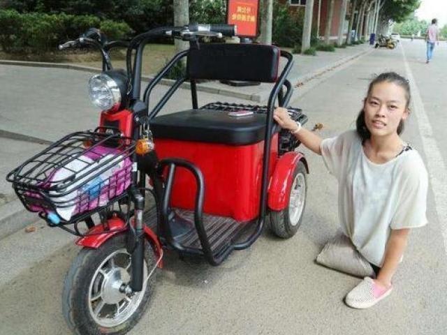 Mẹ mất, cha bỏ đi, 6 tuổi bị cắt cả đôi chân nhưng cô gái này khiến ai cũng phải khâm phục
