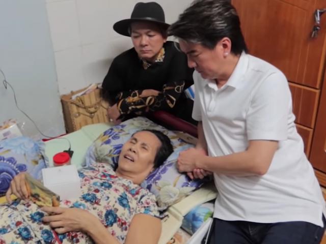 Đàm Vĩnh Hưng làm điều bất ngờ cho NS Hoàng Lan giữa lúc bệnh nằm liệt giường