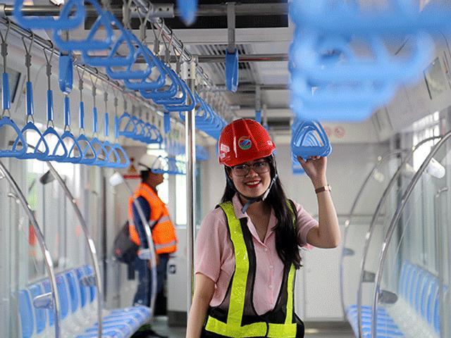 Trải nghiệm bên trong đoàn tàu đầu tiên của metro Bến Thành – Suối Tiên
