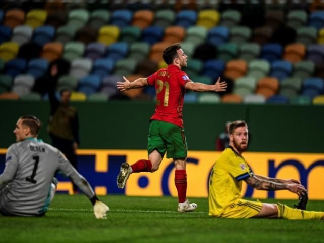Video highlight trận Bồ Đào Nha - Thụy Điển: Đại tiệc ấn tượng tặng Ronaldo