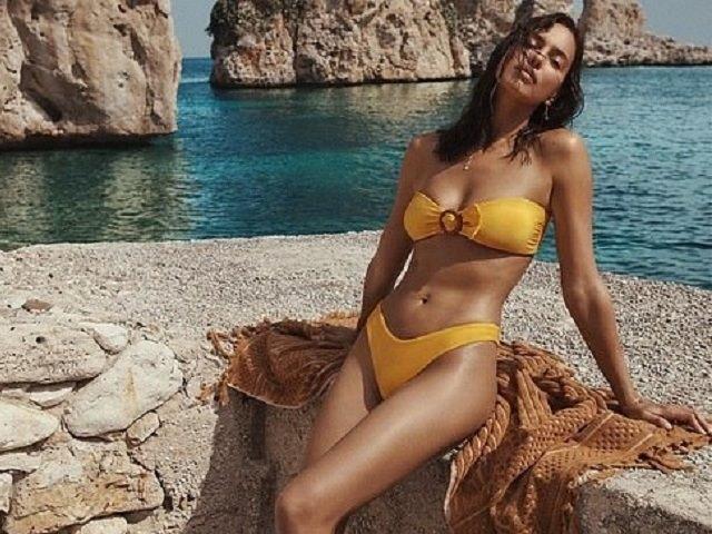 Irina Shayk diện bikini bốc lửa, càng đẹp hơn sau khi chia tay triệu phú