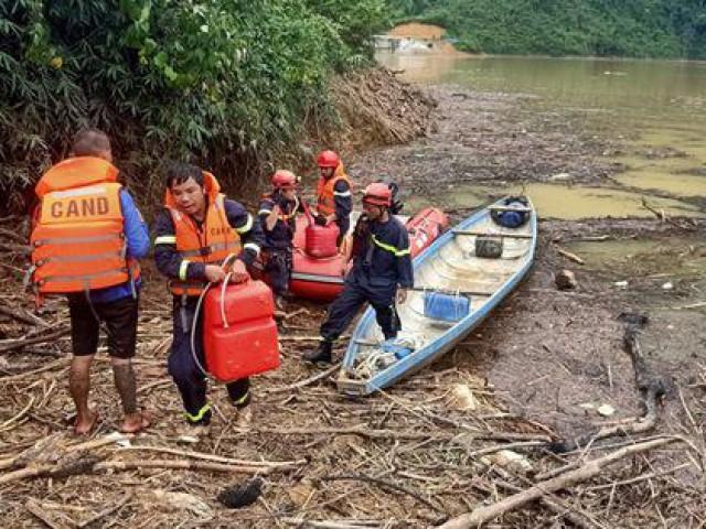 Thời tiết bất lợi để tìm kiếm 15 công nhân còn mất tích ở Rào Trăng 3