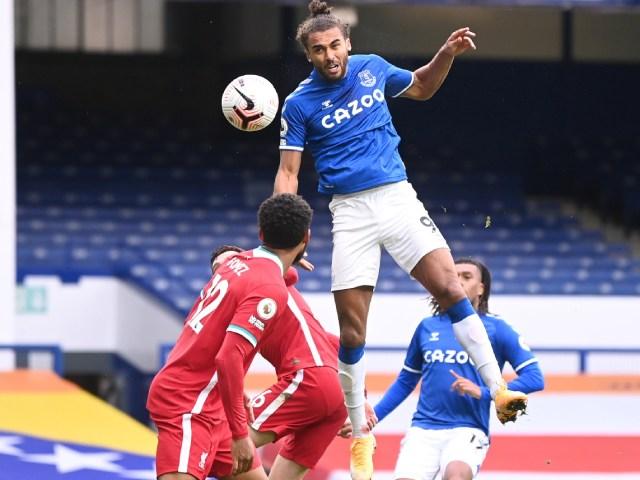 Siêu tiền đạo Everton bật nhảy như Ronaldo, đánh đầu cháy lưới Liverpool