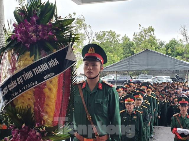 Người thân, đồng đội nghẹn ngào tiễn biệt Đại tá Hoàng Mai Vui hi sinh ở Rào Trăng 3