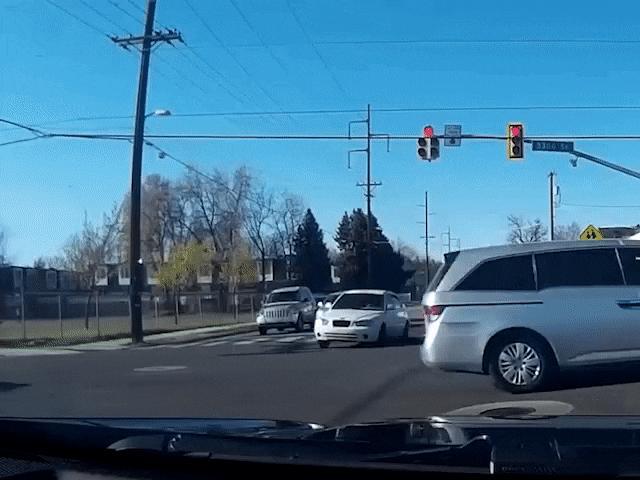 """Video: Những pha tai nạn """"kinh hoàng"""" khi tham gia giao thông"""
