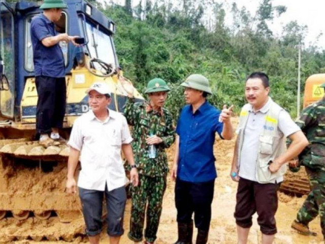 Chuyện chưa kể mở đường tìm nạn nhân tử nạn vì mưa lũ