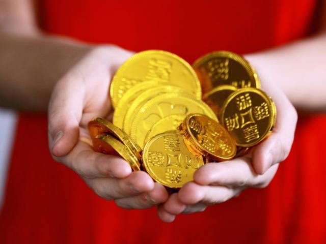 Giá vàng hôm nay 21/10: Tiếp đà tăng khi đồng USD suy yếu