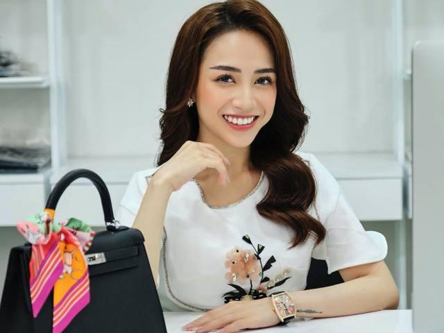 """Ái nữ 21 tuổi nhà đại gia Minh Nhựa theo đuổi kiểu mặc """"nữ chủ tịch"""" sexy"""