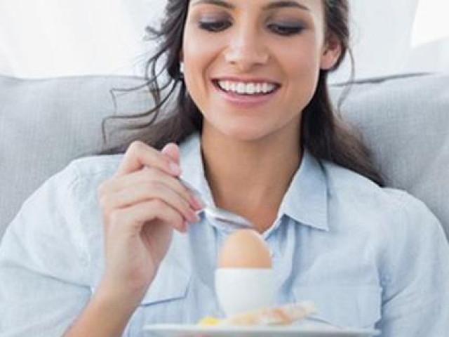 Là phụ nữ thì đừng quên ăn 12 loại thực phẩm này ít nhất 1 lần mỗi tuần