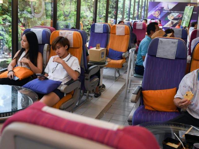 Bên trong nhà hàng phục vụ suất ăn máy bay độc đáo của Thai Airways trong mùa dịch COVID-19