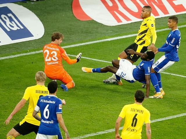 Video highlight trận Dortmund - Schalke: Haaland rực sáng, bắt kịp Bayern Munich