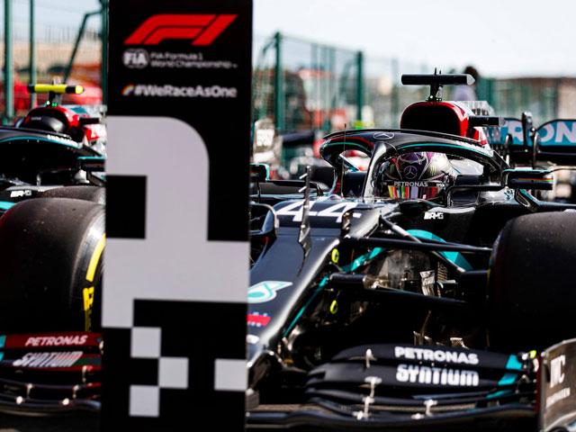 """Đua xe F1, phân hạng Portuguese GP 2020: Hamilton """"nhọc nhằn"""" đoạt pole"""