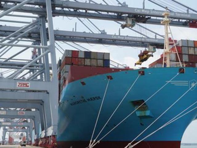 """Cận cảnh """"siêu tàu"""" container cập cảng Quốc tế Cái Mép"""