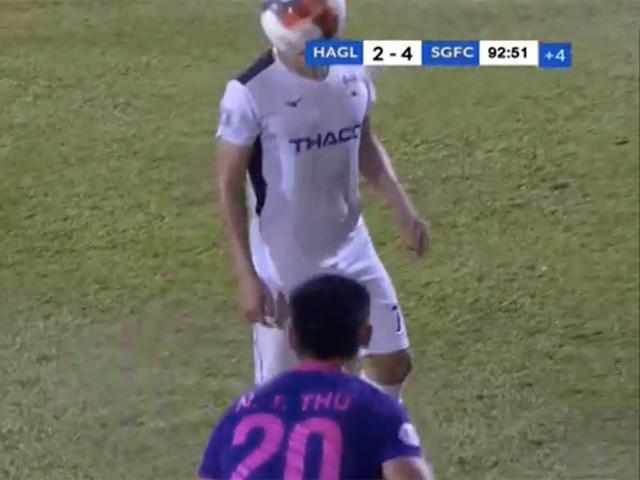"""Cầu thủ Sài Gòn FC ném bóng """"không có đạo đức"""" bị đề nghị kỷ luật nặng"""