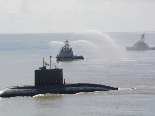Ấn Độ tặng quốc gia láng giềng tàu ngầm Kilo, báo Trung Quốc chê bai