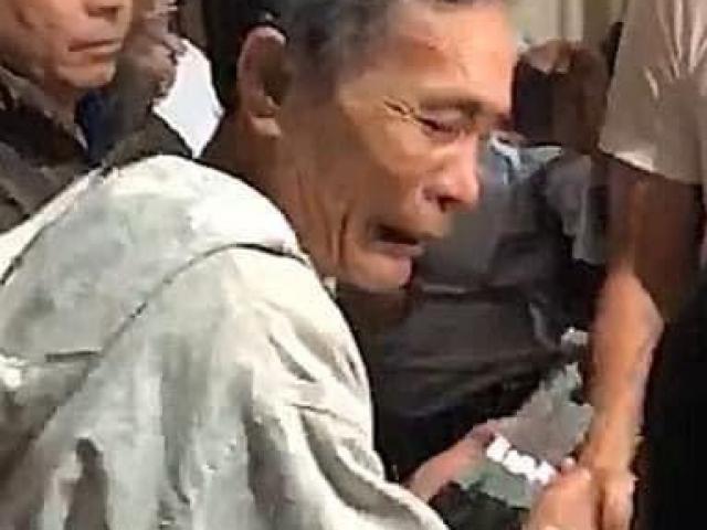 Tâm sự xúc động của người nông dân được Công Vinh - Thủy Tiên trao cứu trợ 200 triệu đồng