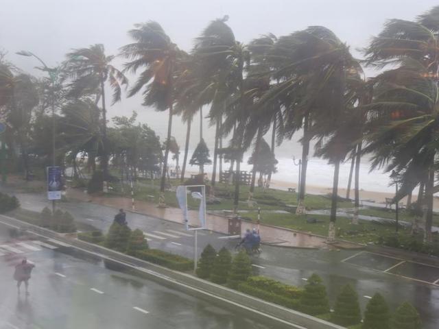Bản tin 11h sáng 28/10: Bão số 9 sắp đổ bộ Đà Nẵng – Phú Yên, nhiều nơi mưa to, gió giật mạnh