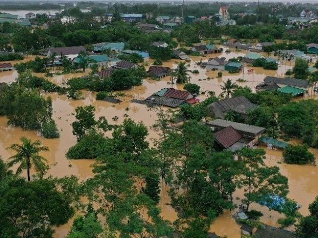 Bao nhiêu tiền đã bị lũ lụt cuốn trôi ở Việt Nam?