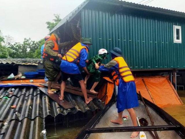 Cán bộ thôn đột ngột qua đời sau nhiều ngày dầm mưa giúp dân chống lụt