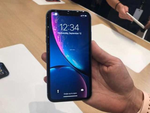 iPhone 12 so với iPhone XR: Đã đến lúc nâng cấp?
