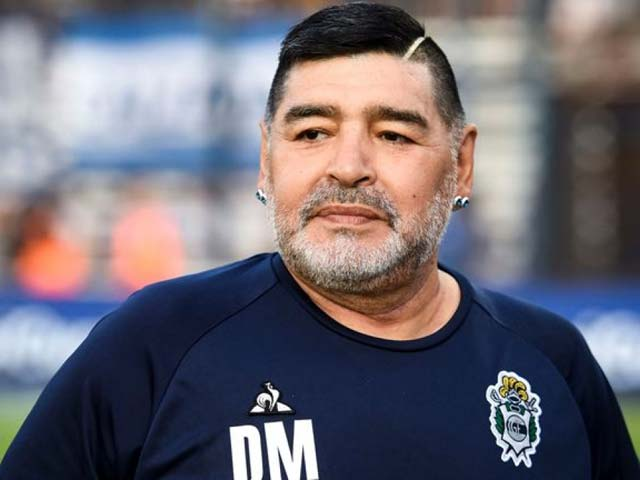 """""""Cậu bé vàng"""" Maradona nhập viện gấp vì xuất huyết não, tình trạng giờ ra sao?"""