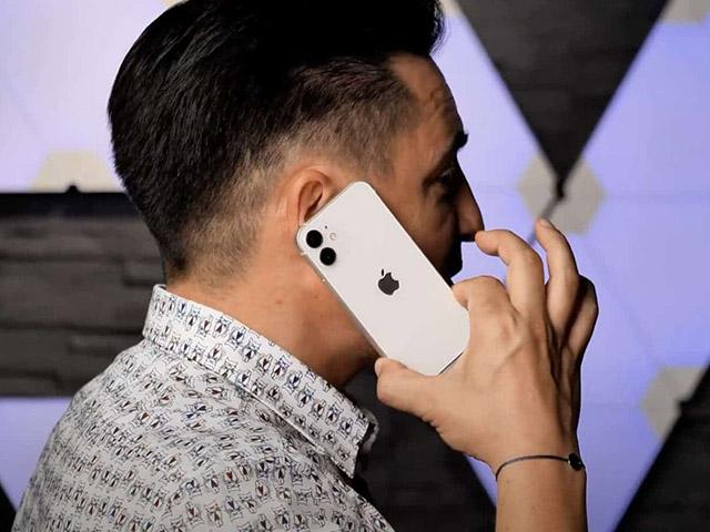 Mẫu iPhone phù hợp cho người tay nhỏ hoặc túi nhỏ