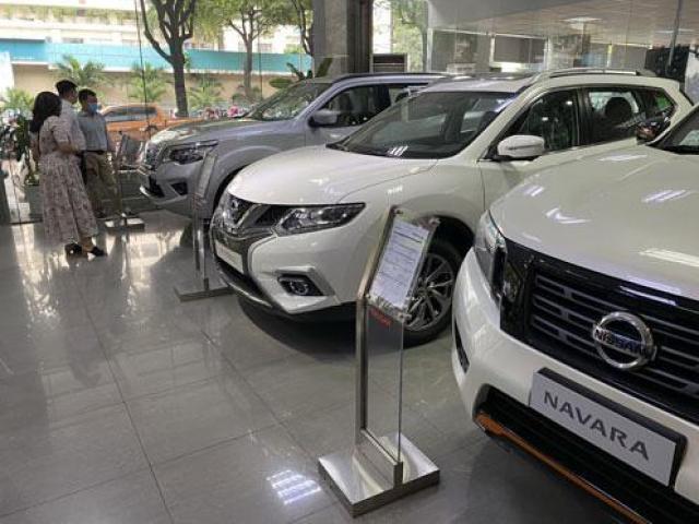 Nóng tuần qua: Ôtô giảm hơn 300 triệu đồng/xe, lý do được người bán tiết lộ