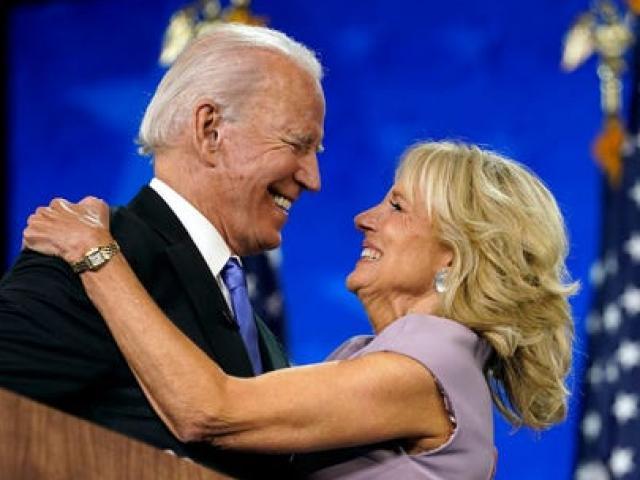 """Lộ diện 5 đại gia giàu nhất """"rót núi tiền"""" cho ông Biden, """"kho tiền"""" nhiều cỡ nào?"""