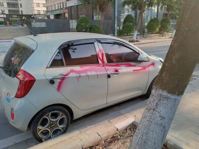 Nghi phạm khai lý do xịt sơn hàng loạt ô tô đỗ trong khu đô thị ở Hà Nội