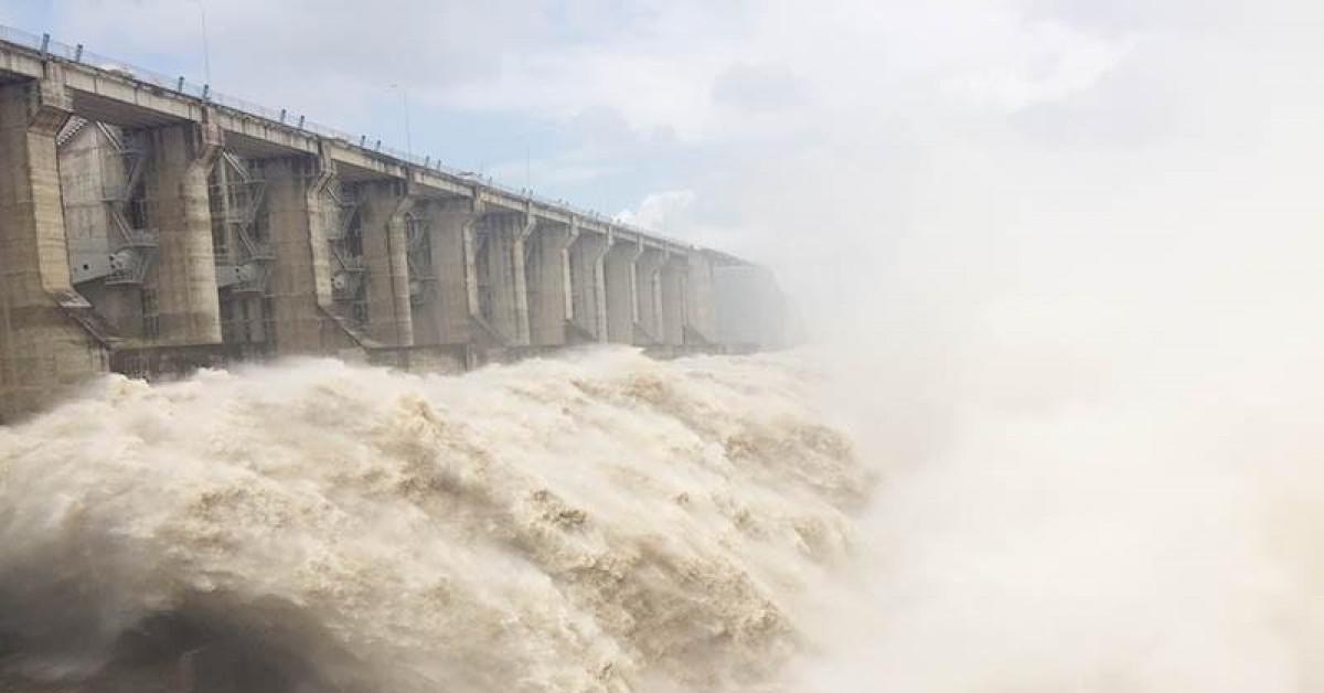 Thủy điện xả lũ lớn, Phú Yên phát cảnh báo ngập sâu vùng hạ du