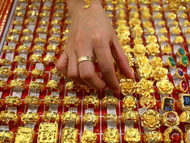 Giá vàng hôm nay 11/11: Phục hồi yếu ớt, giới đầu tư thận trọng