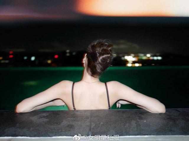 Cô gái đẹp nhất châu Á quay lưng cũng khiến vạn người yêu nhờ chi tiết cơ thể ít ai ngờ