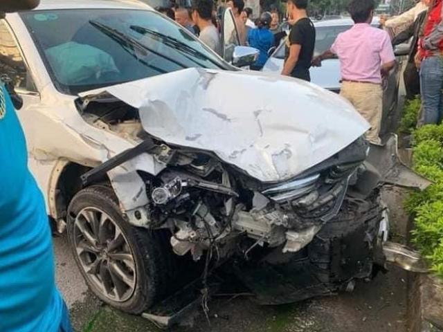 Bị rượt đuổi, ô tô bỏ chạy gặp tai nạn kinh hoàng khiến 3 người thương vong