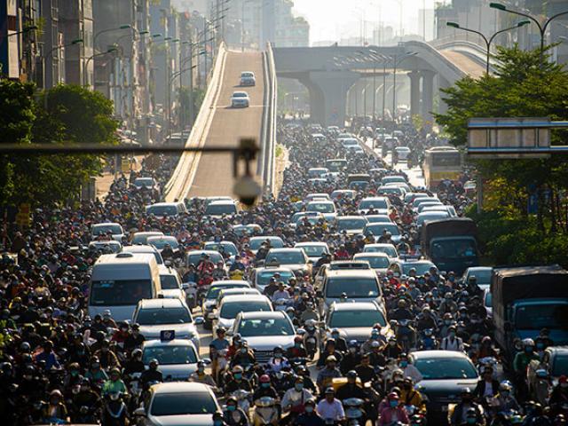 Thông xe đường vành đai 2 trên cao, Ngã Tư Sở ùn tắc kinh hoàng: Hà Nội đã có giải pháp xử lý