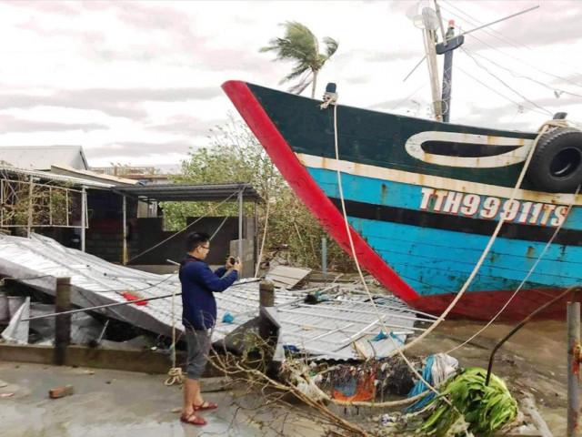 Bão số 13 gây thiệt hại nặng khu vực ven biển